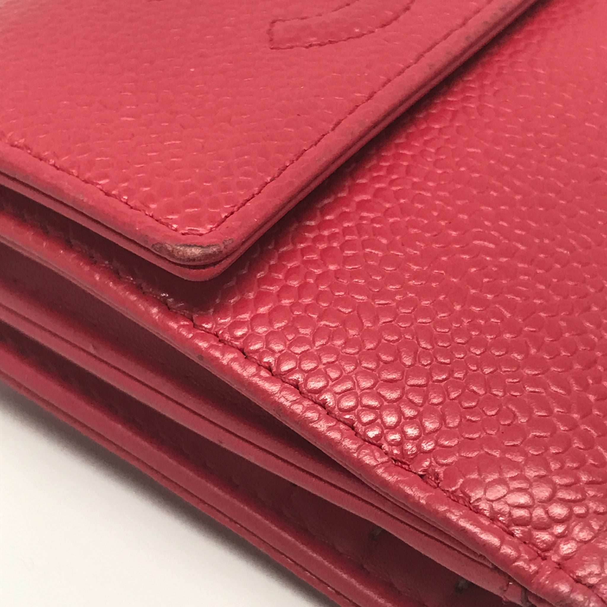 CHANEL RED CAVIAR BIFOLD COMPACT WALLET