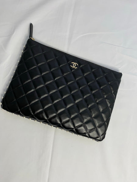 CHANEL CLASSIC MEDIUM O-CASE/POUCH WITH PEARL EMBELISHMENT