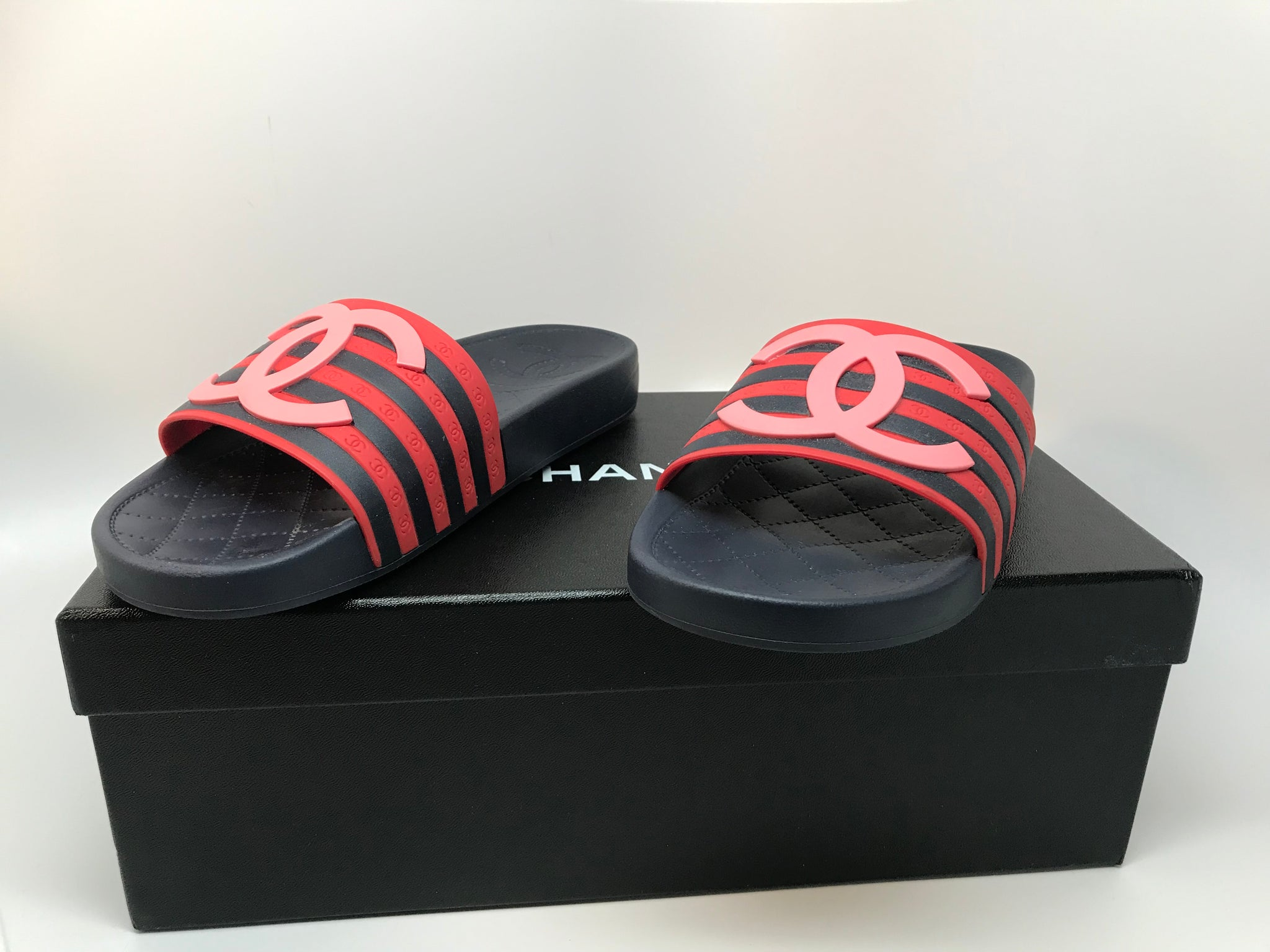 CHANEL RED/NAVY MULES SANDAL - SIZE 36