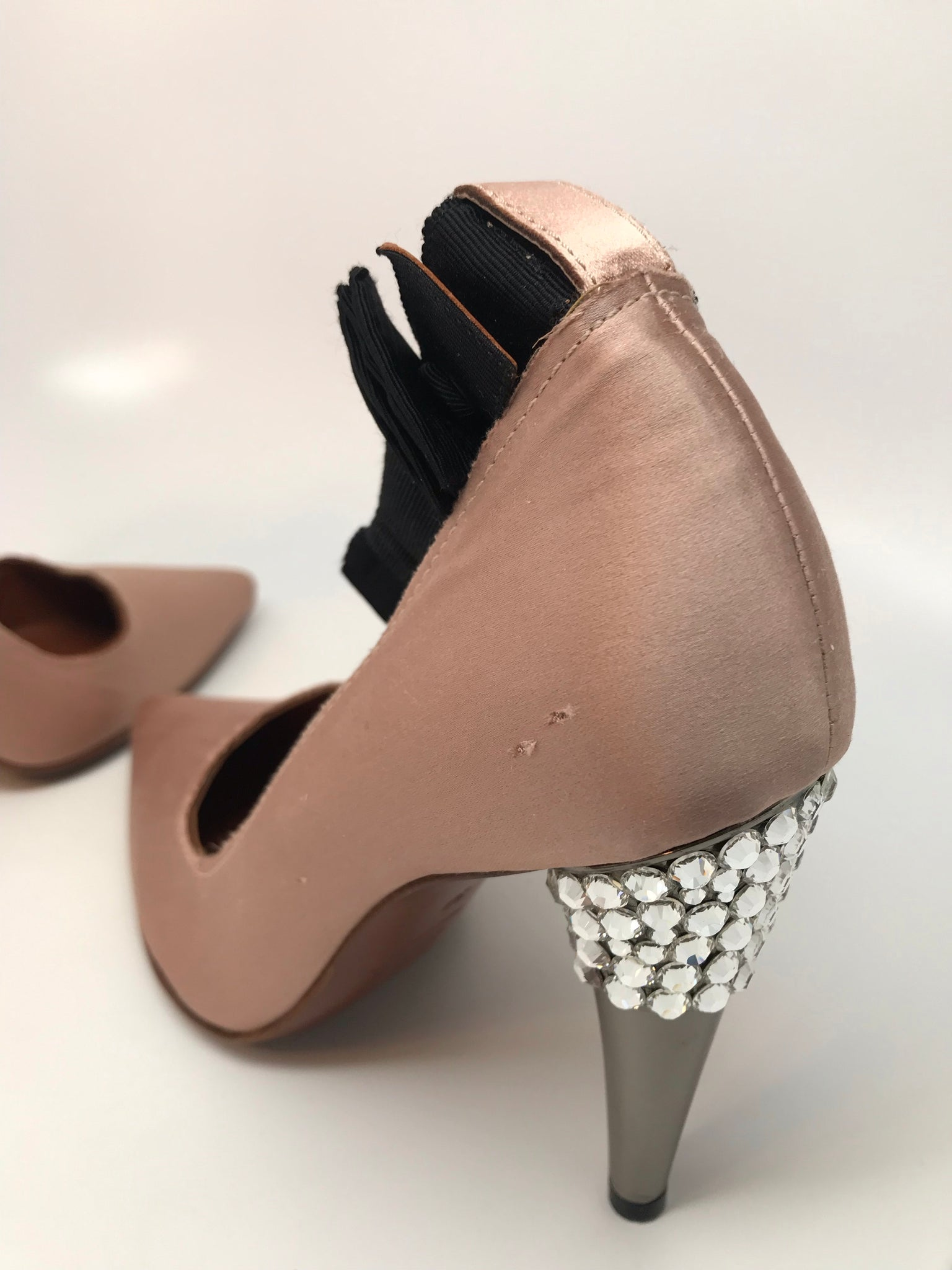 LANVIN NUDE SATIN CRYSTAL JEWELED PUMP - SIZE 36