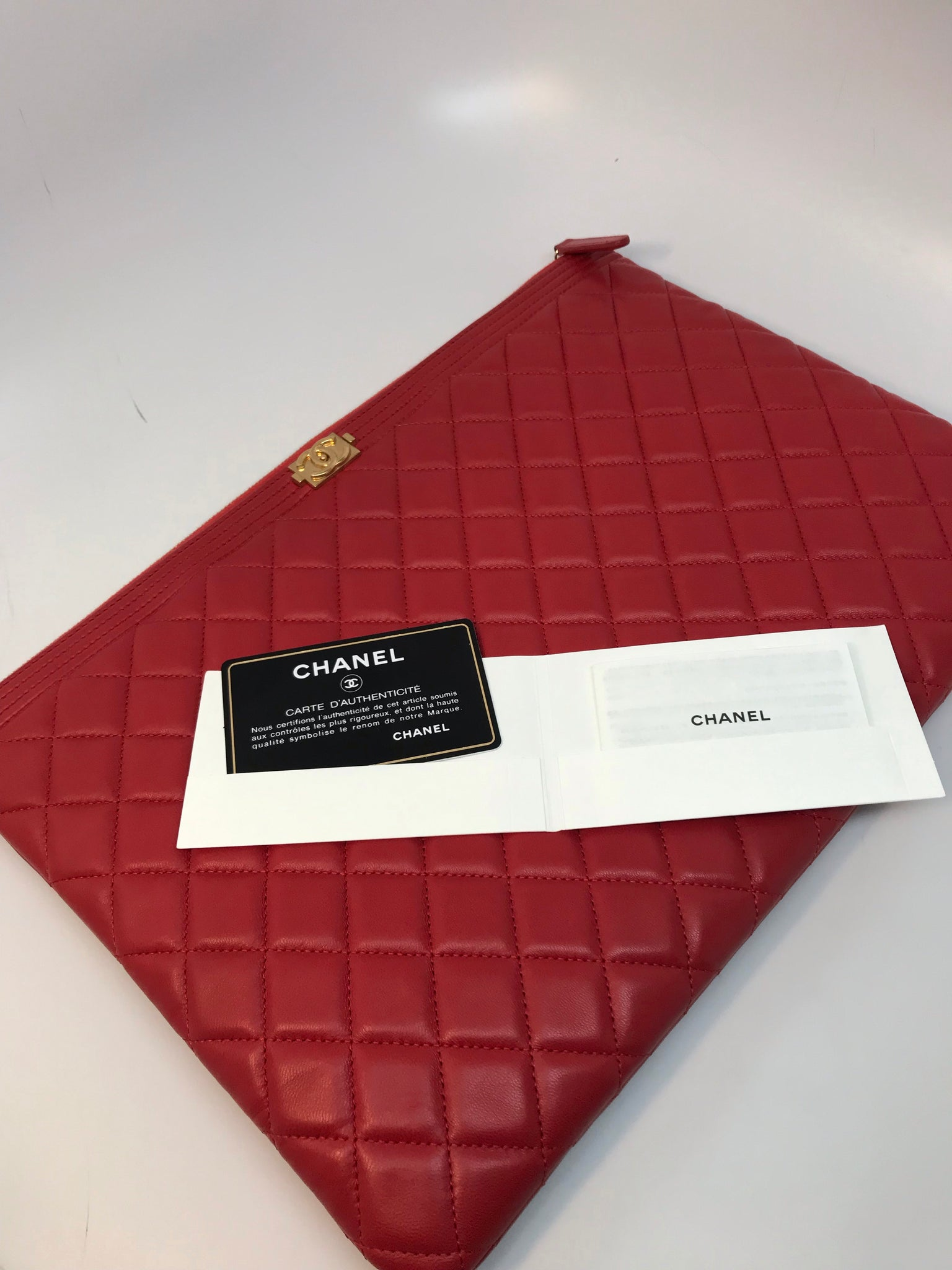 CHANEL RED QUILTED LARGE LE BOY O CASE IN LAMBSKIN LEATHER