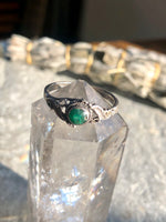 Vintage Sterling Silver Green Turquoise & Double Leaf Ring Size 7.5