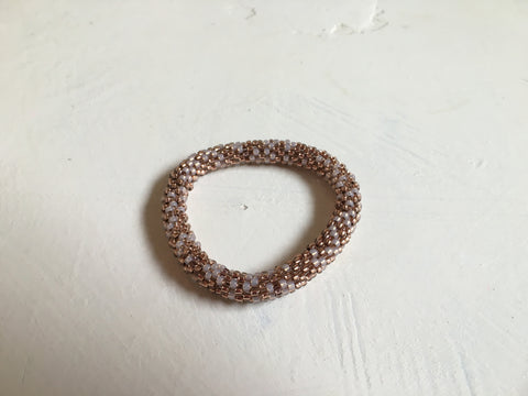 Beautiful hand-crafted slim bracelet - Pink and 'copper look'