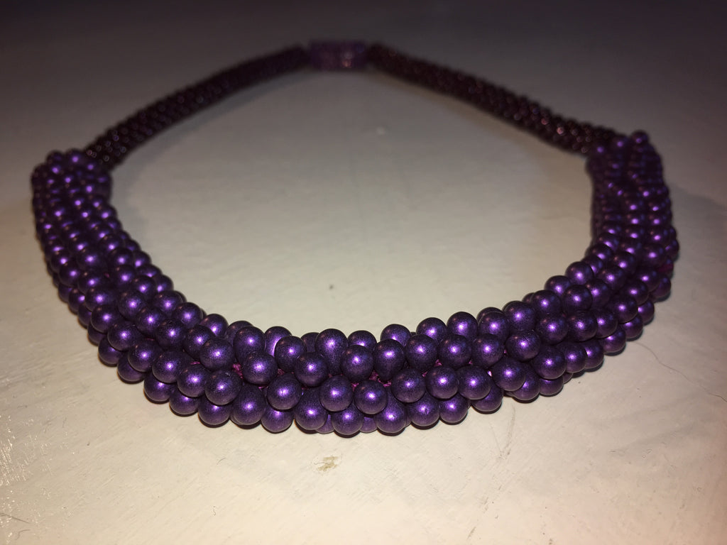 Beautiful hand-crafted necklace - Purple - with strong magnetic clasp