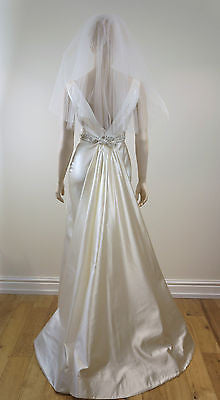 LAZARO COUTURE Designer Ivory Wedding Dress / Gown, Detachable Train & Veil