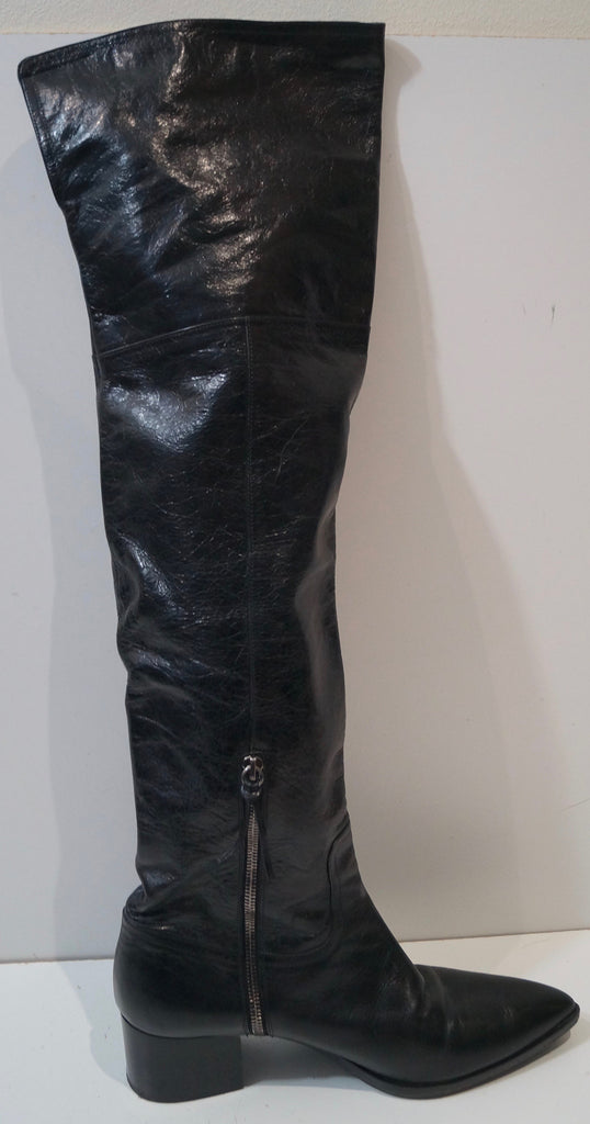 27c5bd9ff76d ... MIU MIU Made In Italy Black Leather Pointed Toe Over Knee Flat Boots  IT41 UK8 ...