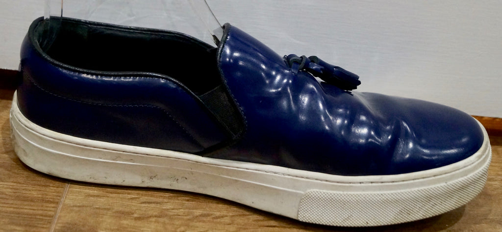 CELINE PARIS Blue Leather Tassel Front White Rubber Sole Casual Sneakers Trainer
