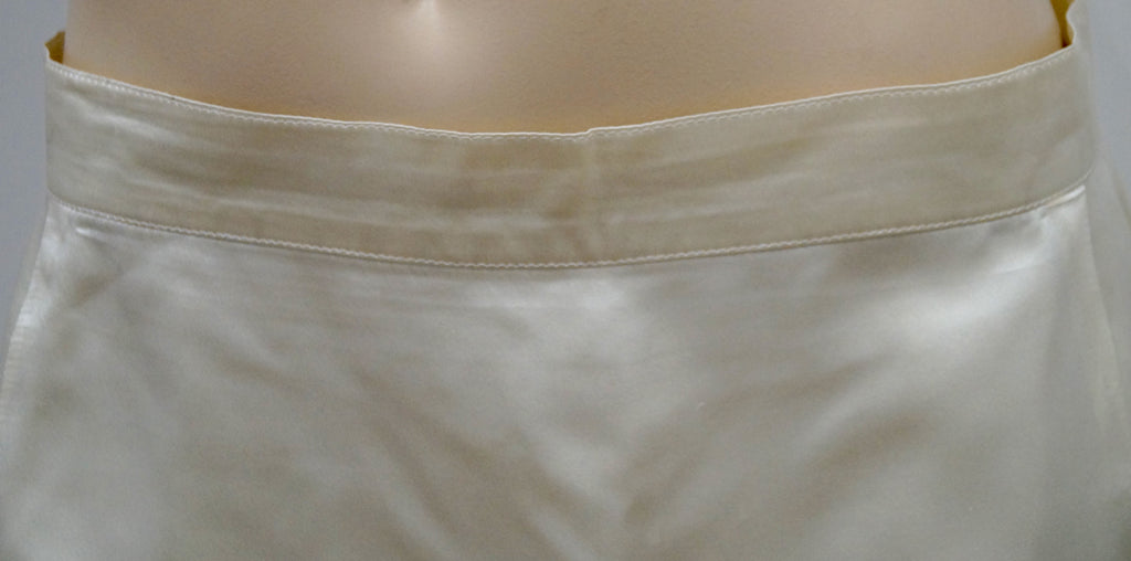 RENZO Cream 100% Silk Sheen Blue Trim Hemline Short Length  Evening Skirt 44