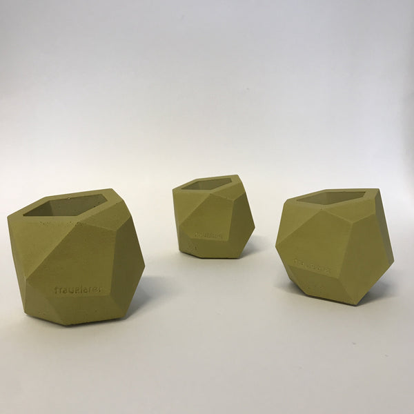 polyhedron planter in ochre/green