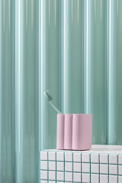 billow tumbler in lilac