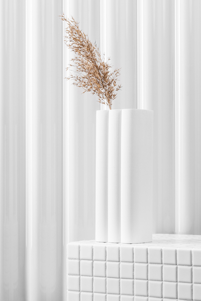 billow vase in white