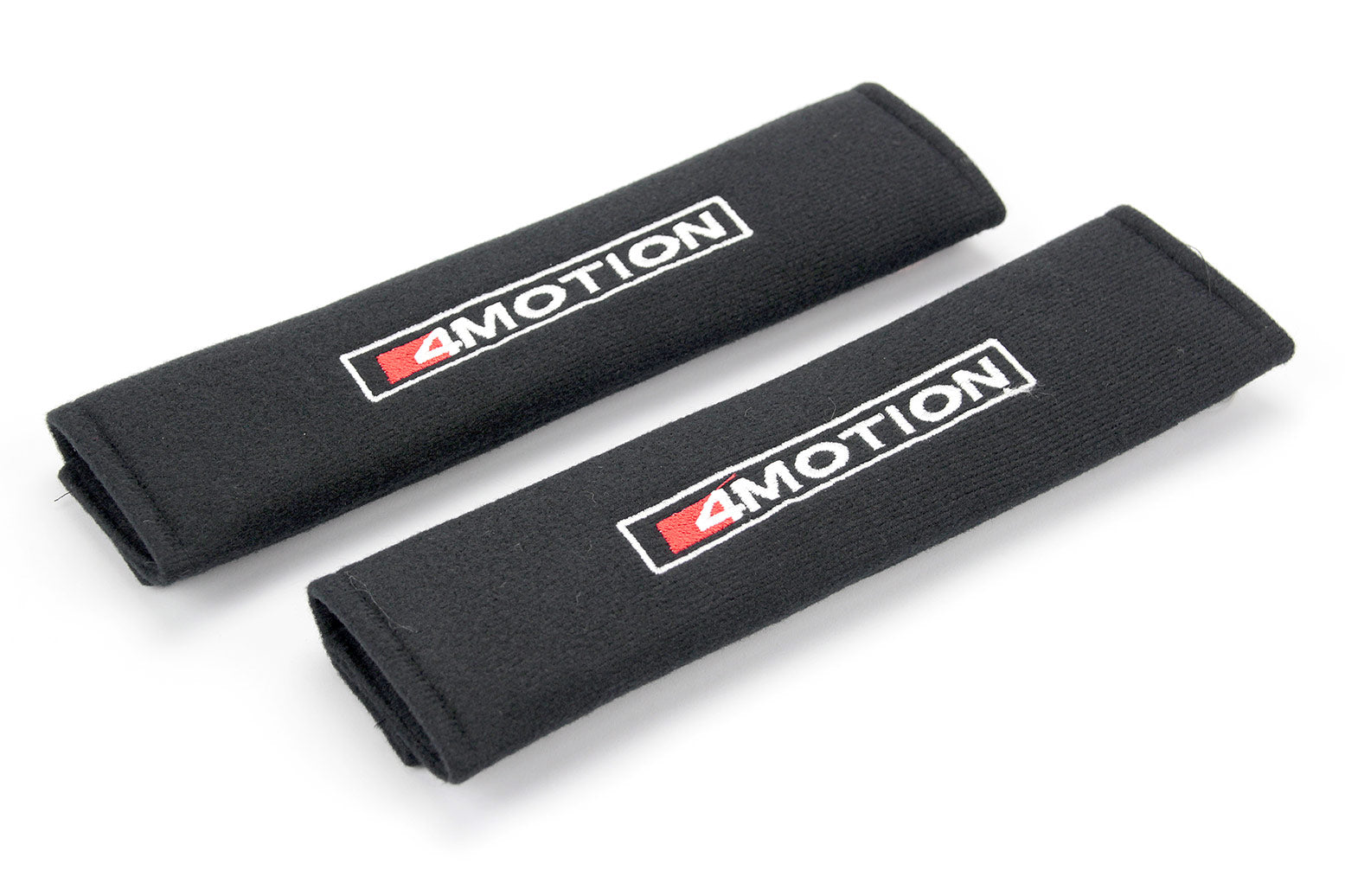 4Motion logo embroidered on padded seat belt covers.