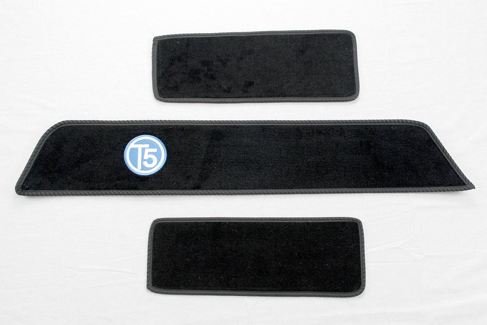 T5 side step mat set with blue embroidered T5 logo