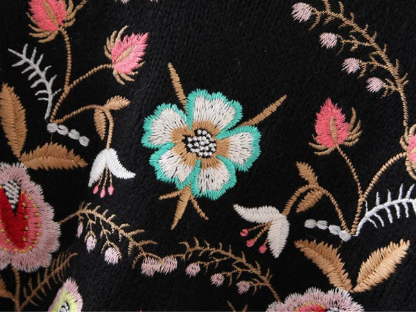 Cashmere Blend Floral Embroidery Sweater