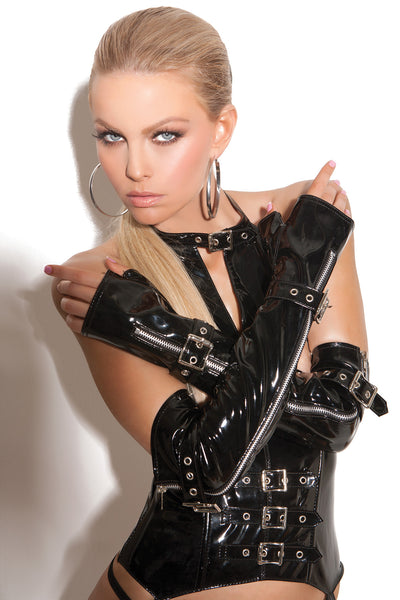 Fingerless vinyl gloves with zipper and buckle detail