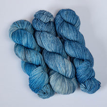 Load image into Gallery viewer, Thai Blue Rice DK Yarn -- Hand Dyed Merino Wool
