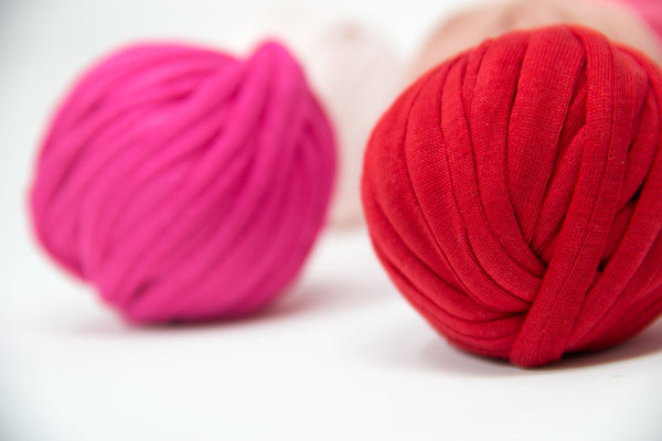 T-shirt Yarn Crochet Kit in Cherry Kiss -- BONUS FREE Button with our Bonbon Love Project