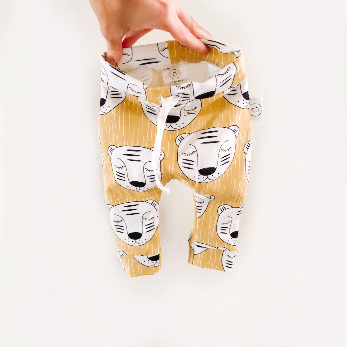 Trousers with White Tigers