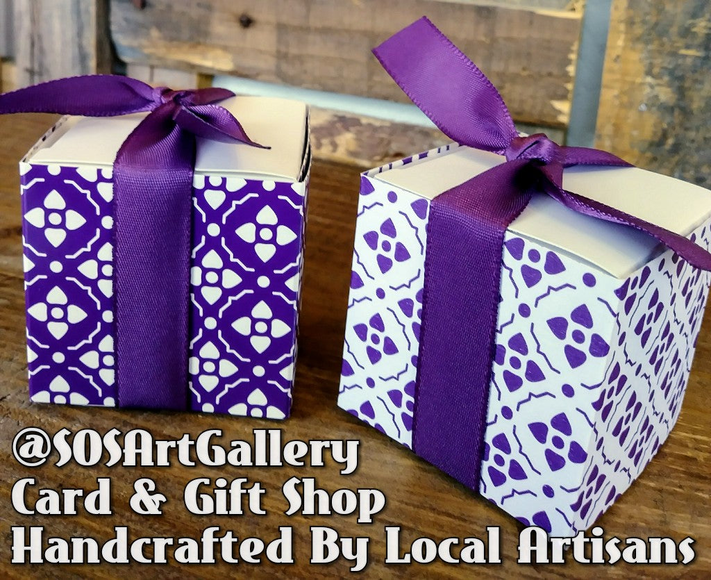 GIFT BOXES: Reversible handcrafted gift boxes by @SOSArtGallery