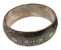Maringka Metal Bangle: bracelet