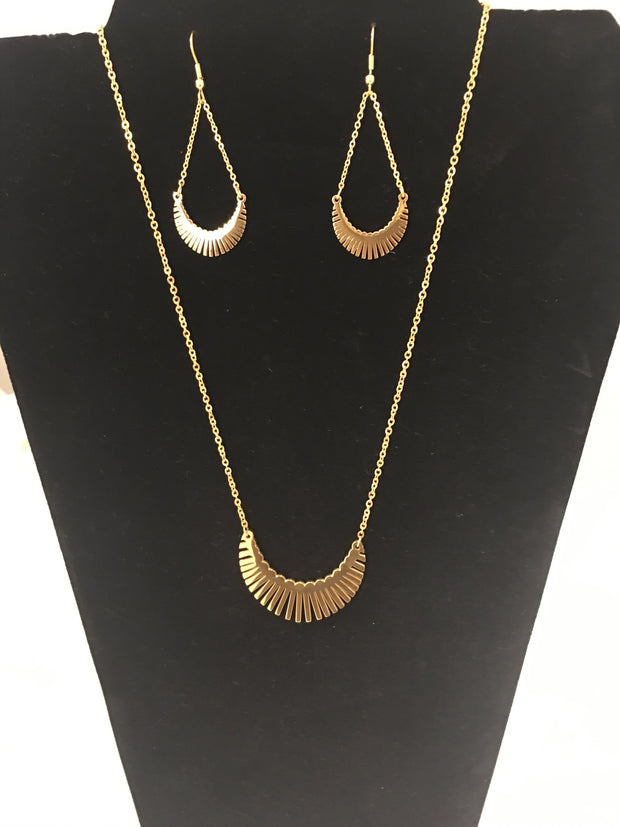Gold Plated Feathered Necklace Set