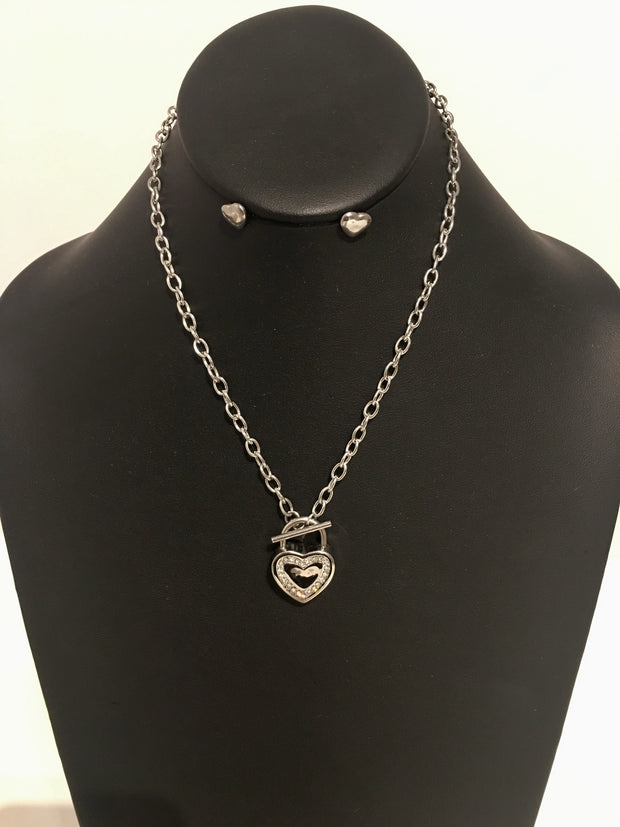 Beautiful Toggle Heart Necklace Set
