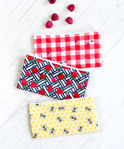 Revelae Kids cloth snack bags Picnic set - Gingham ants, juicy strawberries and honeycomb & bee prints