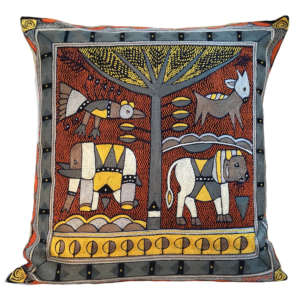 Winterveld Lion Hunt Cushion Cover