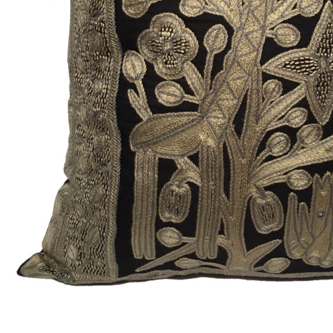Ode to the African Savannah Giraffe Gazing Monochrome Cushion Cover