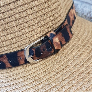 Wide brimmed foldable hat with leopard cat ribbon
