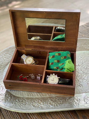 Large keepsakes box.