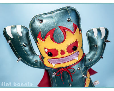 "Art Show: ""Customania"" at ToyCon UK by The Toy Chronicle"