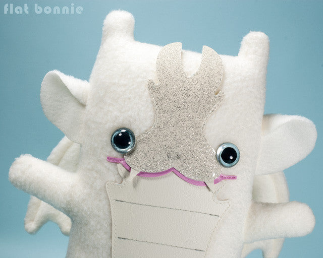 Flat-Bonnie-Baby-Dragon-Plush-Stuffed-Animal-Clutter-Art-Show-D1079-640