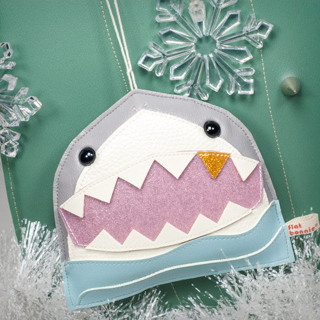 Flat-Bonnie-Handmade-Christmas-Ornament-Shark-C5855-IG