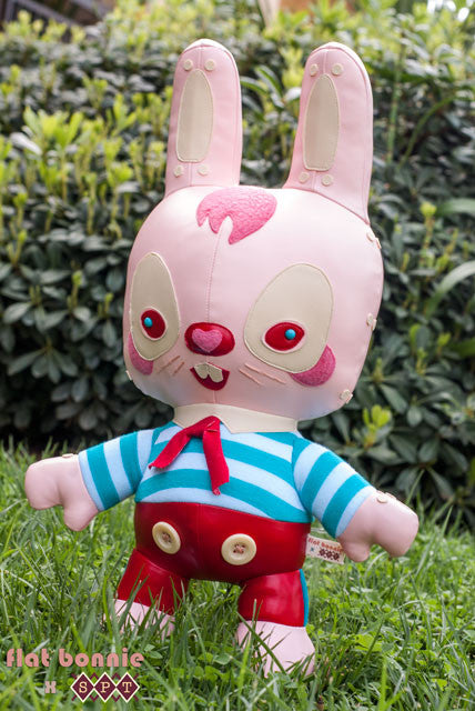Flat-Bonnie-Mr-Pinkerton-Scott-Tolleson-Plush-bunny-stuffed-animal-C2550-640