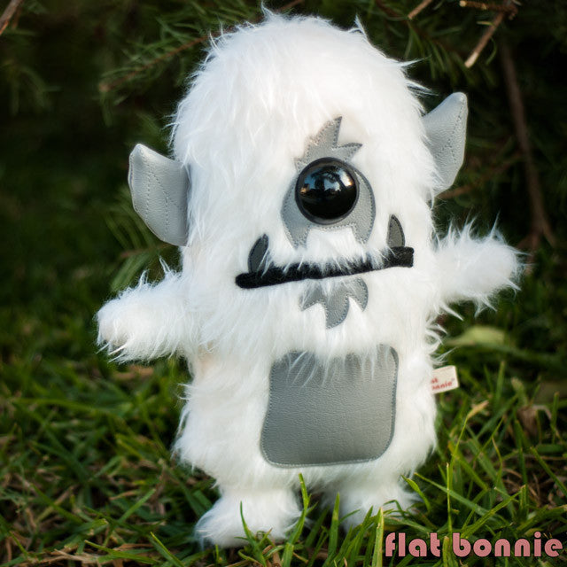 Flat-Bonnie-Plush-Spanky-Stokes-Stroll-Yeti-Stuffed-Animal-B2363-IG
