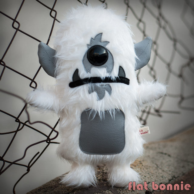 Flat-Bonnie-Plush-Spanky-Stokes-Stroll-Yeti-Stuffed-Animal-B2374-IG