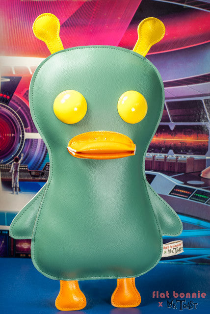 Flat-Bonnie-Space-Duck-Plush-Art-Doll-Mr-Toast-C6069-SpaceDuck-640