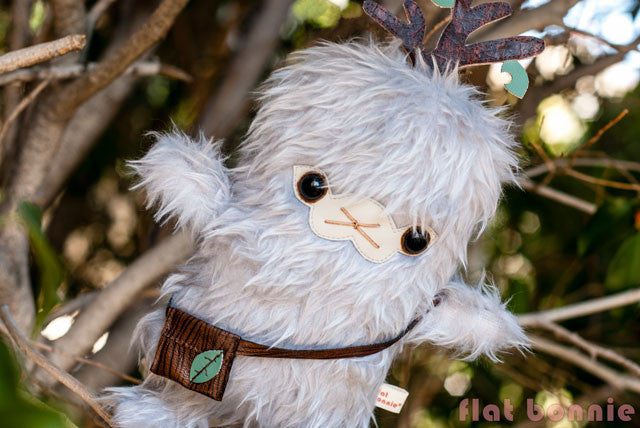 Flat-Bonnie-Tree-Hugger-Plush-Kiki-Big-Bad-Wolf-Kids-C5146-TreeHugger-640
