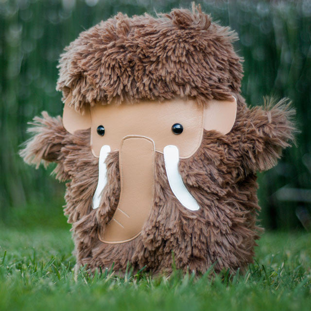 Flat-Bonnie-Woolly-Mammoth-Plush-Stuffed-Animal-WonderCon-2013-B3341-640