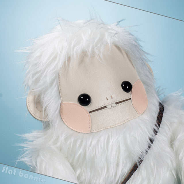 FlatBonnie-Year-Of-The-Monkey-Giant-Robot-Arctic-plush-C7159-640.jpg