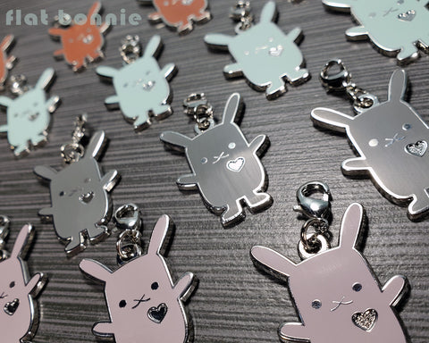 Flat Bonnie enamel charm - Kawaii bunny zipper pull - Rabbit charm 1