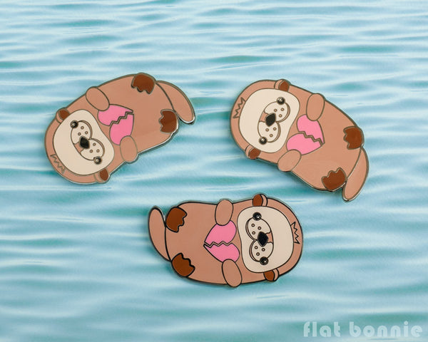 Kawaii Otter with Broken Heart - Cute otter enamel pin - Kawaii enamel pins - Cloisonné lapel pin - Enamel Lapel Pin - Flat Bonnie - 1