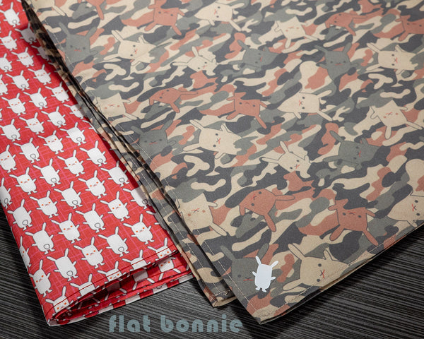 Flat-Bonnie-Bandana-face-covering-Como-Red-White-2