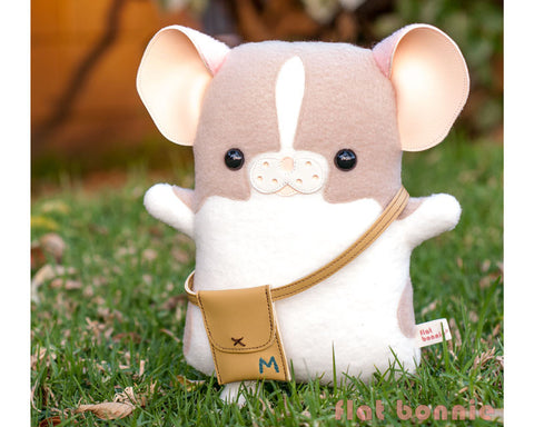 "Flat Bonnie x Marty Mouse - Limited Edition ""Travel Marty"" - Mouse/ Rat stuffed animal plush - Plush Stuffed Animal - Flat Bonnie - 1"