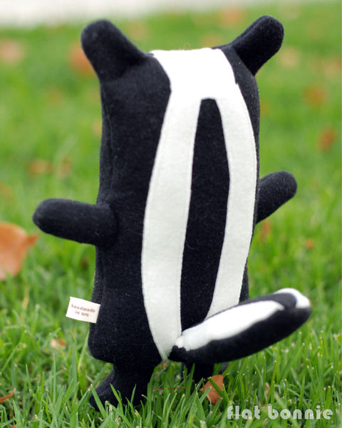 Skunk stuffed animal - Handmade Skunk plush toy - Flash the Skunk - Plush Stuffed Animal - Flat Bonnie - 3