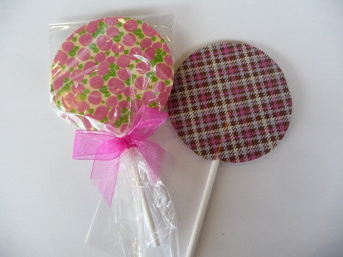 Patterned chocolate lollipops