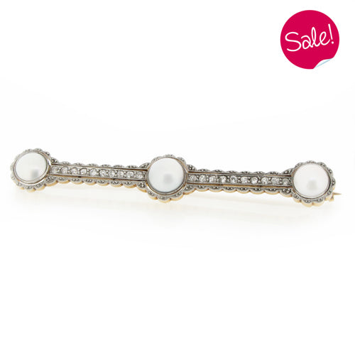 Pearl and diamond brooch in 18ct gold