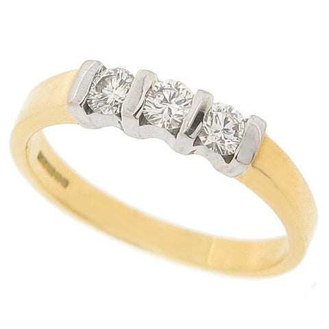 Brilliant cut diamond three stone ring in 18ct gold, 0.45ct