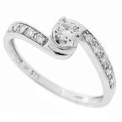 Diamond solitaire ring with diamond set shoulders, 0.21ct